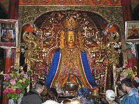 Монастырь Самье. Трон святого охраняют 2 золотых дракона